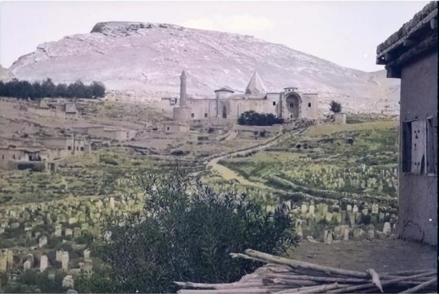 Divriği Ulu Camii  ve Eski Mezarlık