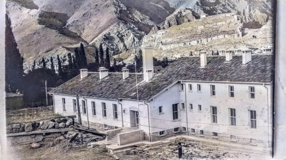 Divriği Devlet Hastanesi 1950'li Yıllar (Yıkılan Hastane)